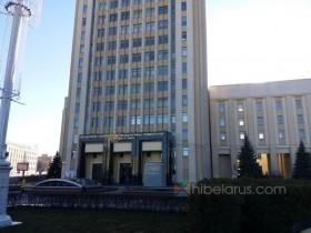 旁边还有教堂!位于明斯克市中心区域的白俄罗斯师范大学(实图和视频)