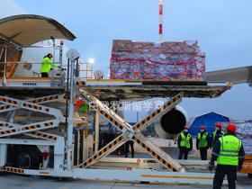 中国援助白俄罗斯抗疫物资到达明斯克! 两国携手共抗病毒
