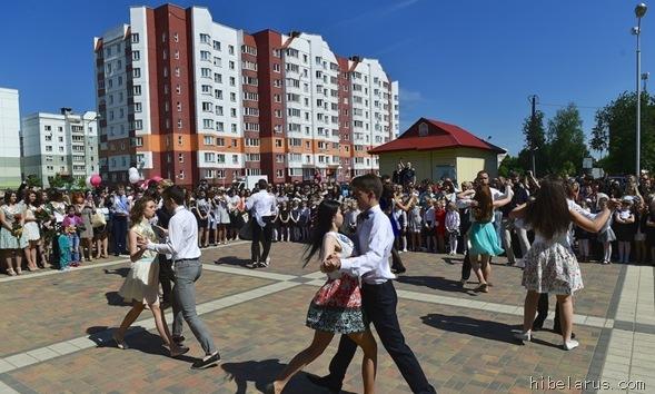 白俄罗斯高中生09