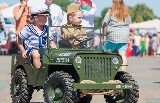 白俄罗斯独立日小孩23