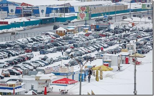 明斯克二手车市场惊现中国力帆牌汽车