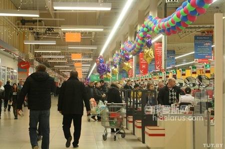 2016年多种原因致使 白俄罗斯人在波兰消费减少
